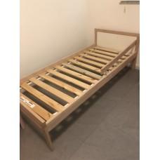 IKEA单人木床
