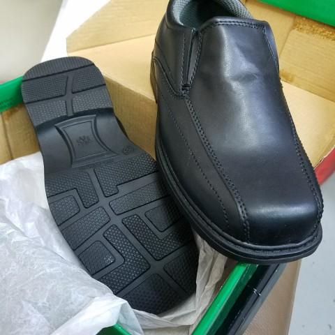 全新童裝返學黑皮鞋  35號