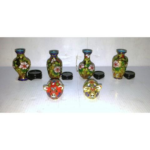 花瓶 兒童 陶瓷彩繪 健康花瓶 連底盆 X 4 套,快樂小豬 2 隻。成人只宜收藏之用。無崩缺、保存完好、值得收藏。。無設郵寄,只設面交。