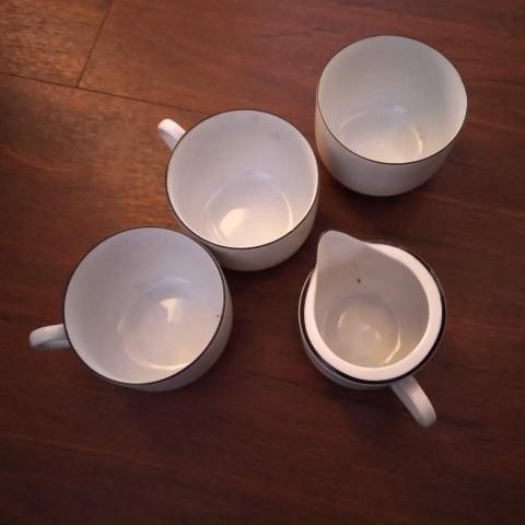 2隻杯+糖盛器+奶盛器