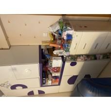 白色拼紫色高櫃